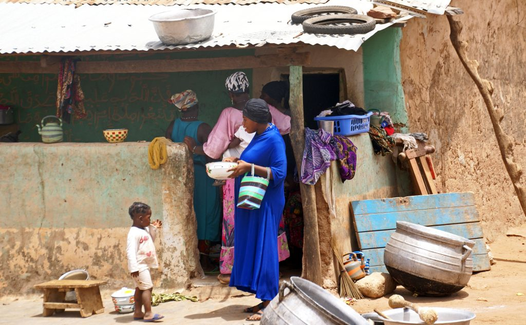 Mujeres cocinando, Larabanga, Ghana
