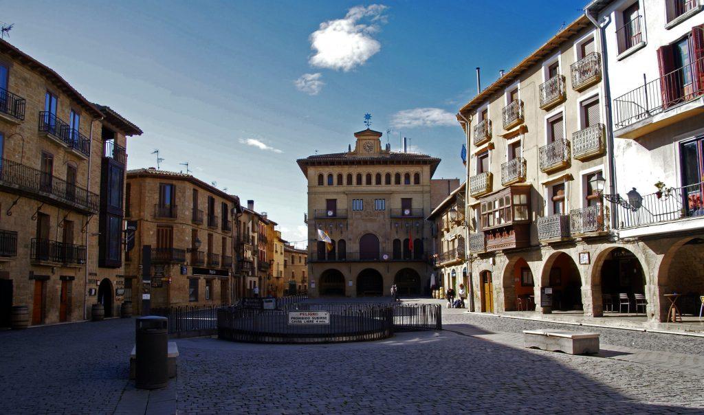 Plaza de Carlos III, Olite, Navarra