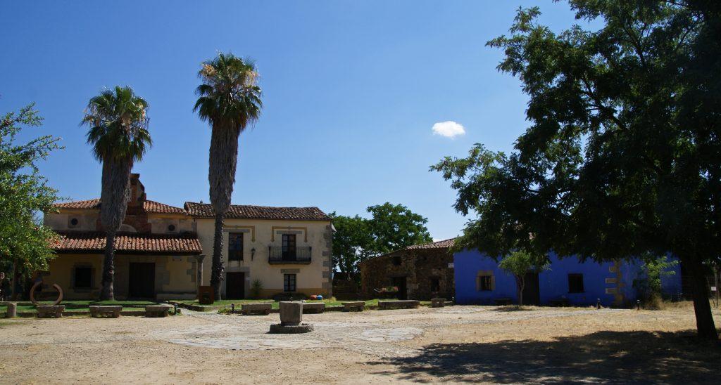 Granadilla, uno de los pueblos abandonados más bonitos de España